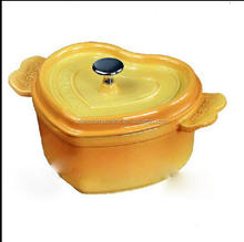 inspecting Eco-Friendly cast iron enamel cooking pot cookware