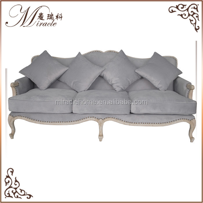 China cheap luxury european fancy living room furniture in China