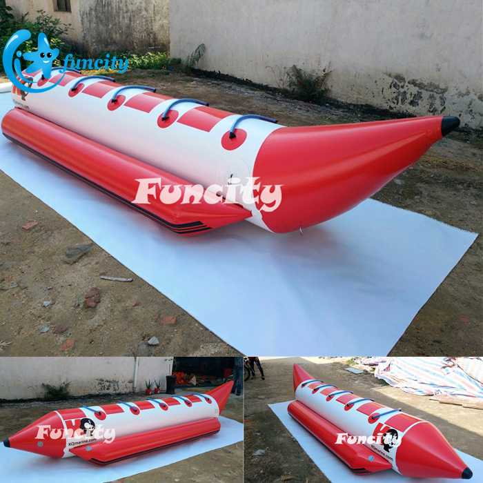 0.9mm PVC Tarpaulin Inflatable Water Sofa with 5 Person Seats for Seaside Resort