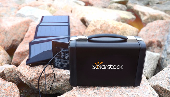 400W Portable Solar Power Station as Backup Power for Home / Camping / Military