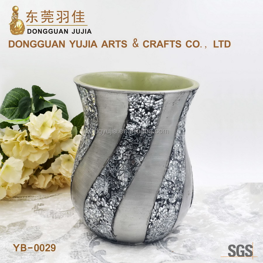 Simple stype Silver polyresin trash can wtih shining glass for hotel or home decoration