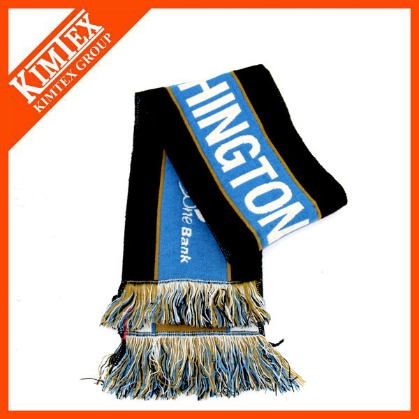 2017 Newest custom acrylic knitted soccer scarf