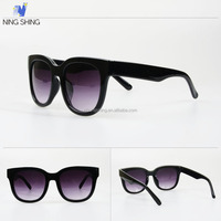 Products Imported From China Wholesale Classic 2012 Ladies Hot Sunglasses Custom Logo