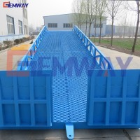 Hydraulic warehouse portable loading ramp for container