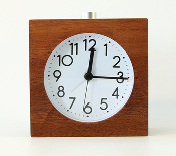 Sweep movement wooden table quartz alarm clock with back light