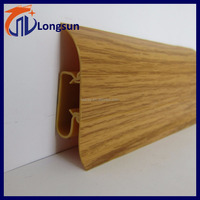 Vinyl floor skirting board for base wall