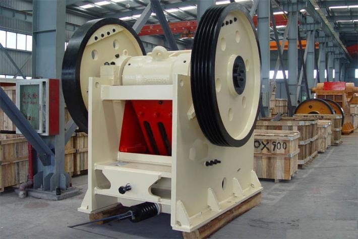China first class large production 400-800 t/h jaw crusher, huge stone jaw crushing machine for hard materials