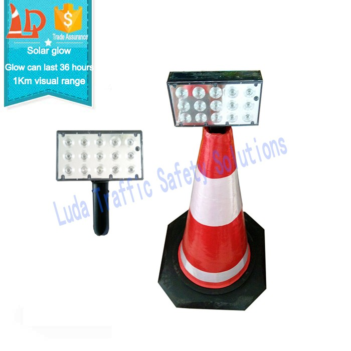 Road construction safety equipment traffic warning light