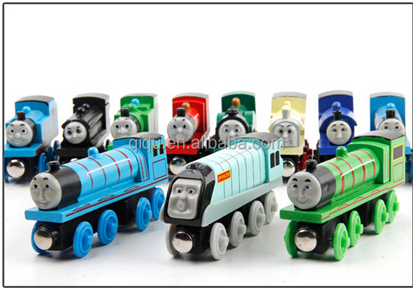 2016 The new magnetic train locomotive small wooden Thomas early childhood educational toys