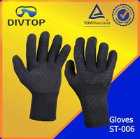 Waterproof swimming glove made in China