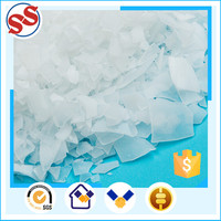 Irregular White Flake Paraffin Wax Lubricant On Sale For Hose Production