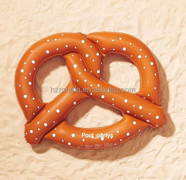 Eco-friendly PVC 0.3 mm thickness top quality inflatable float toy pretzel