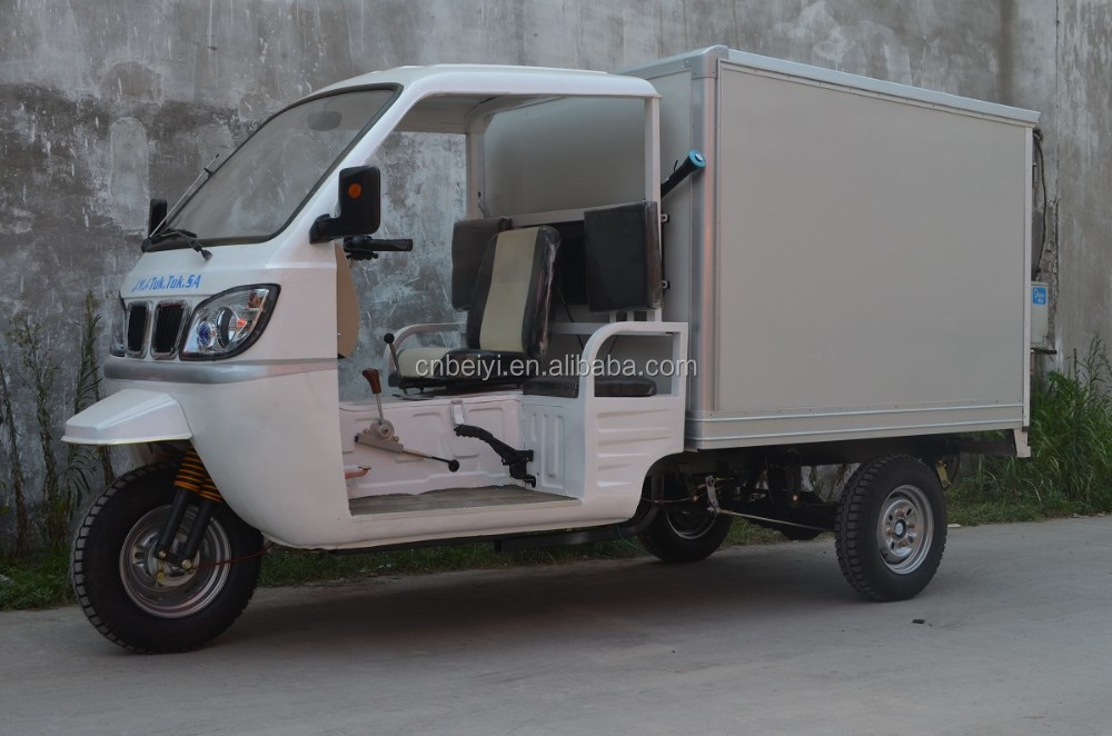 Hot Sale Enclosed Cabin food Tricycle gasoline closed iron 250cc cab cargo van adult tricycle