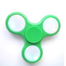 Manufacturer Supply Simple and fun for kids It is helpful to improve the child's col LED Light Something amazing Fidget Spinner