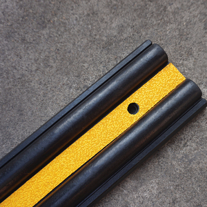 Resistance Rubber Wall Corner Guard for Traffic Use