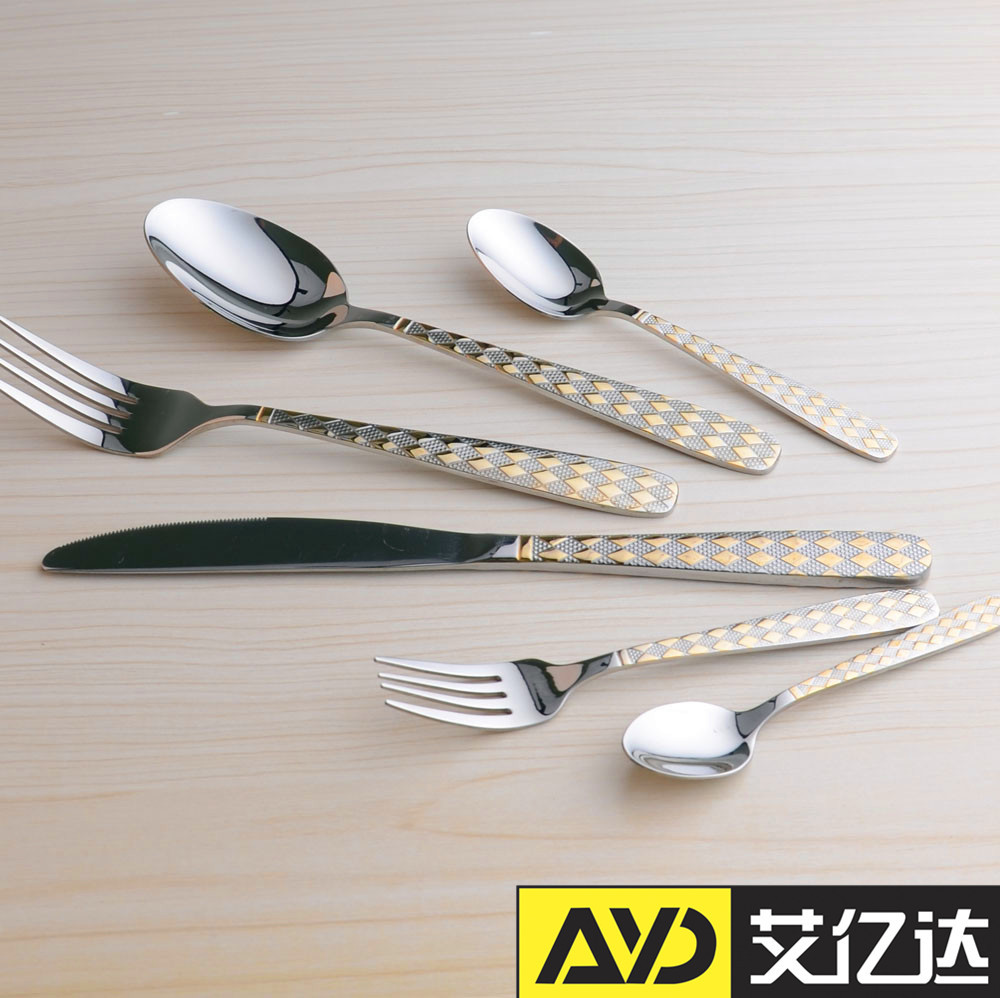 24pcs gold plated cutlery with metal stand and gift box