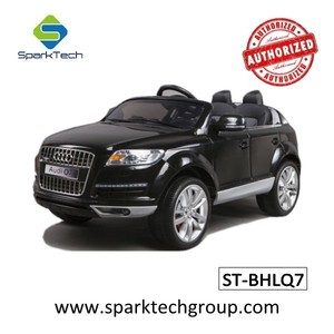 Best Selling Products 2 Seater AUDI Q7 Licensed Boys Girls Riding Toys Car Kids Toys Car