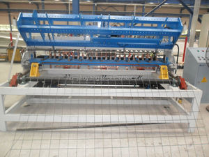 construction galvanized iron wire mesh fence oanel welding machine