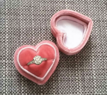 Custom heart shaped velvet engagement ring box,earring gift packaging box,suede ring box with logo