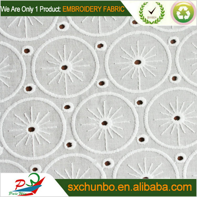2014 white cotton embroidery fabric with eyelet for garment