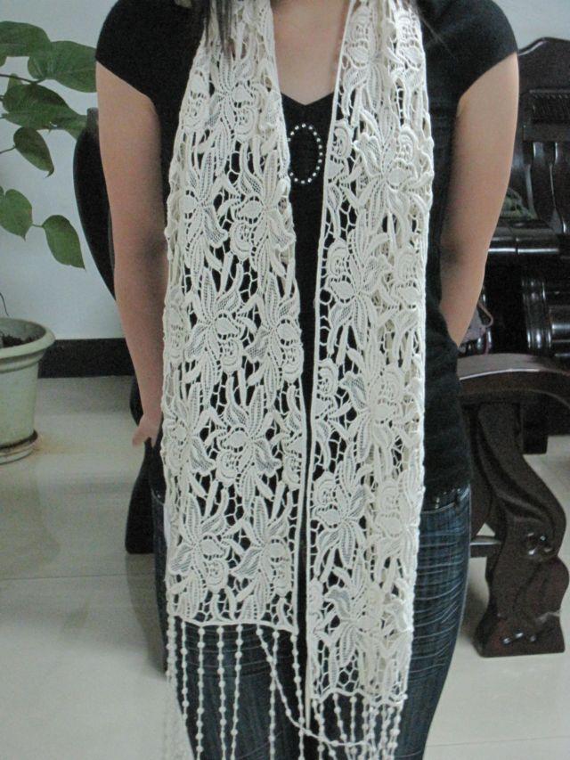 blanco patrón de flores bordado bufanda de ganchillo de algodón ...