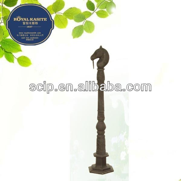 Fashionable cast iron horse head garden decoration stake