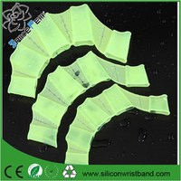 Silicone Diving Swim Pool Training Swimming Half finger Hand Fins Flippers Webbed Gloves Paddles Equipment