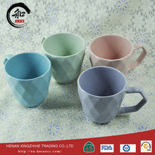 Factory wholesale color glazed ceramic mug and bowls China