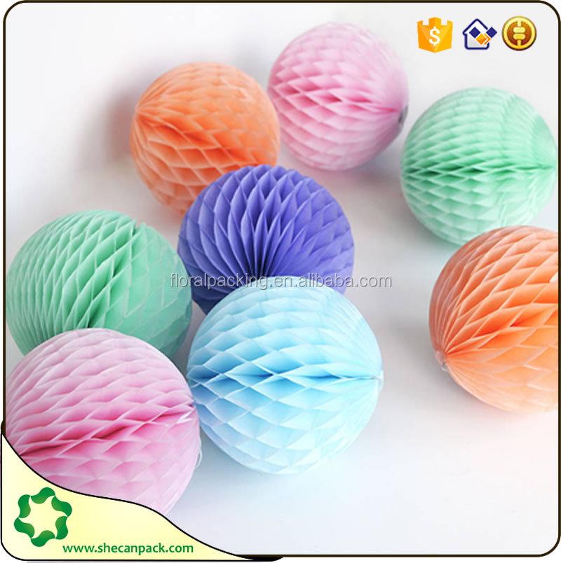 Как сделать шары соты из бумаги своими руками для украшения зала 98