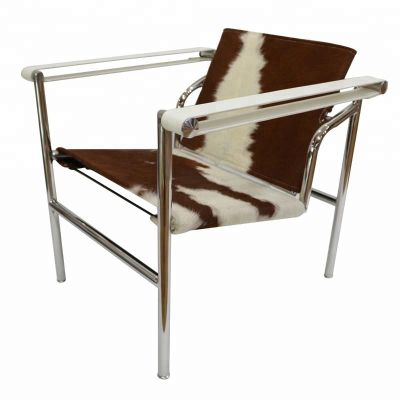 Merveilleux Modern Designed Cowhide Leather Basculant LC1 Chair. U003e