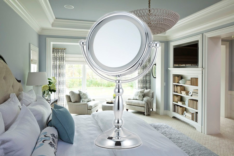 beauty magnifying makeup mirror with light