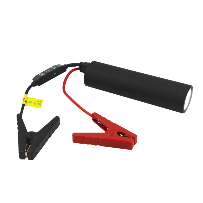 Q6 best selling high quality car jump starter 8400mah 12V vehicles use portable mini power bank car battery jump starter