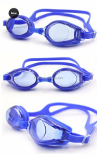Watertight silicone seals adjustable swim goggles