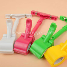 Manufacturers selling fashion plastic pop color ads clip supermarket shelves double clamp promotional advertising clip