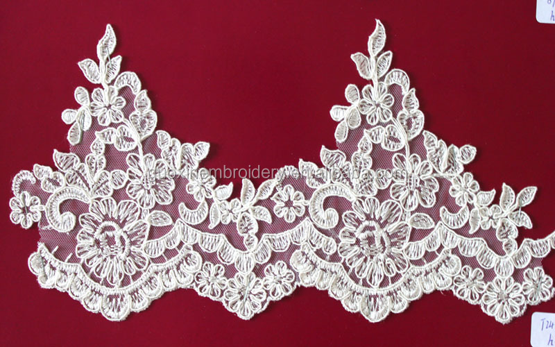 2015 Hot selling Bridal Lace Trim In Embroideried Designs /Trimmings For Wedding Dresses