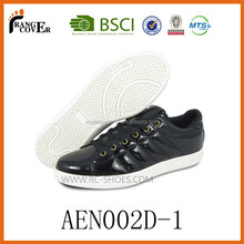 OEM Customize famous brand mens casual shoes