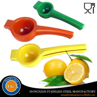 2016 New Arrival Bar Home Colorful Hand Plastic Lemon Squeezer