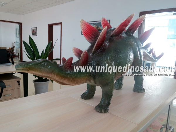 Realistic Colored Dinosaurs Fiberglass Dinosaur Sculpture