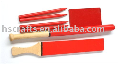 DIFFERENT COLOR WOODEN CRICKET SET WITH BASEBALL