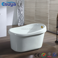 Small plastic bathtub