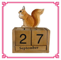 wooden table calendar