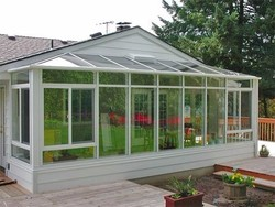 Stable Structure and Glass Covering Indoor Small Greenhouse
