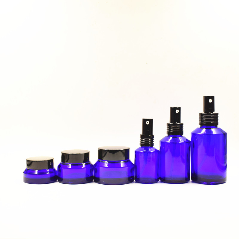 New design luxury amber glass cosmetic pump oil spray bottle for packaging