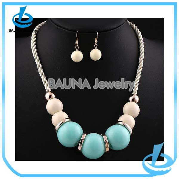 Wholesale fashion charm unique candy color saint wooden beads necklace