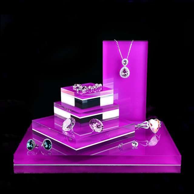 high end acrylic jewelry display stand for jewelry display