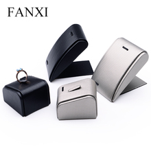 FANXI Custom Luxury Shop Counter Organizer Jewelry Display Ring Pendant Holder Stand Tilt Black PU Leather Necklace Holder