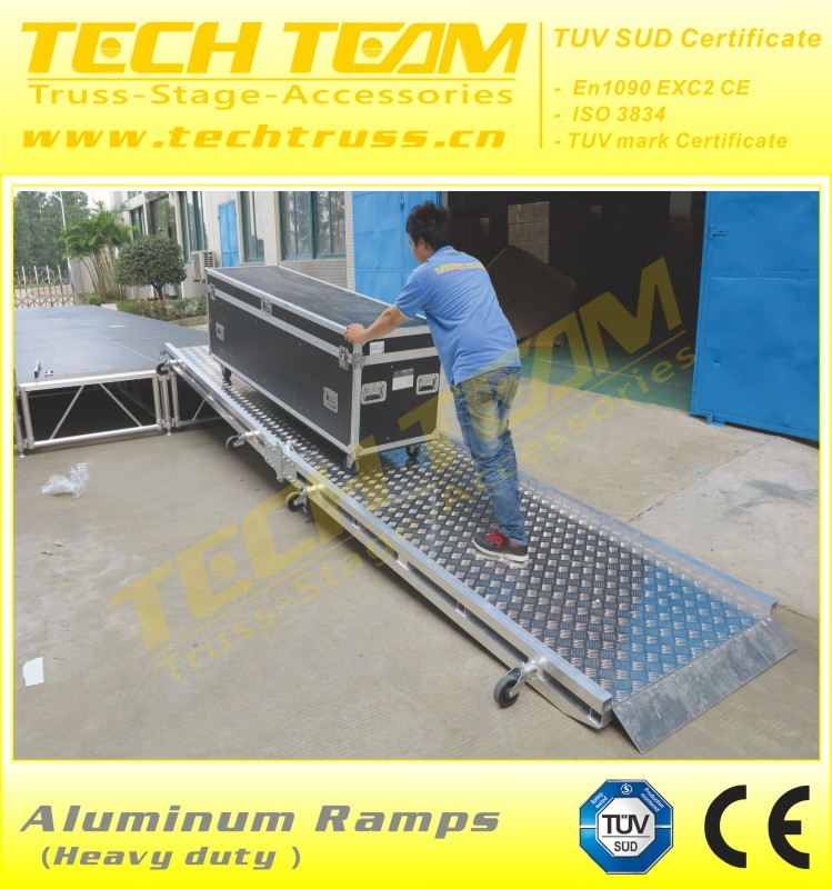 Mobile rolling aluminum trailer loading ramps for sale