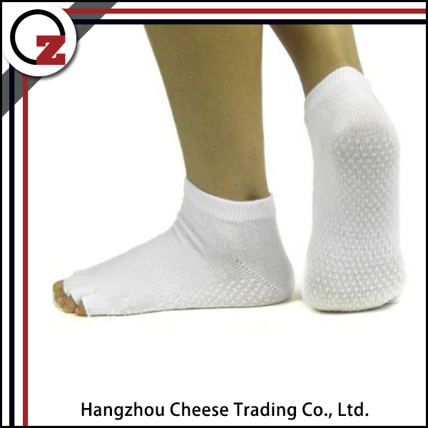 Wholesale custom open toe grip socks with high quality