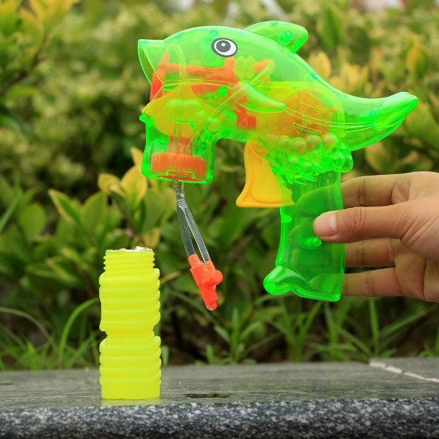 wholesale best price bubble gun animal dolphin with PET type