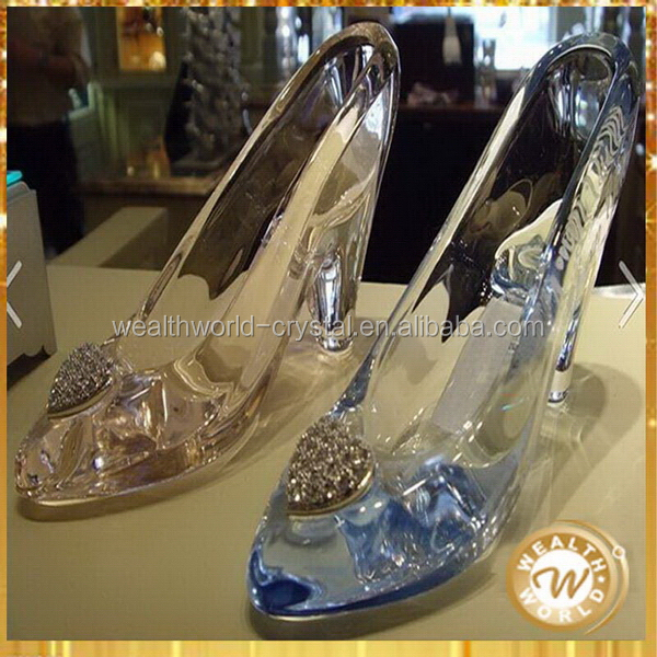 Bottom price new products glass crystal gift shoes model